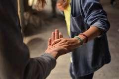Quelles personnes alerter en cas de harcèlement au travail ? - Droit et Ressources humaines